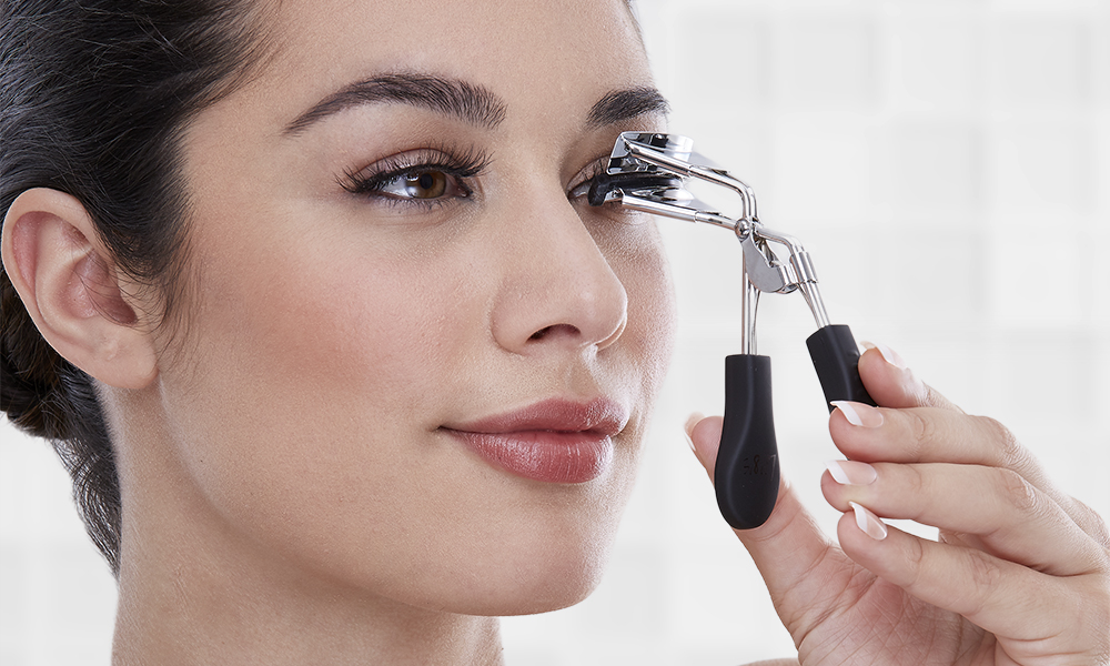 3054091de7f One eyelash curler to end them all | i•ENVY by Kiss